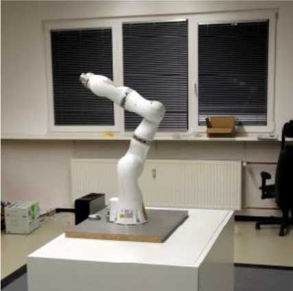https://www.terrinet.eu/wp-content/uploads/2018/11/Cooperative-robotic-manufacturing-station_TUM_squared.png