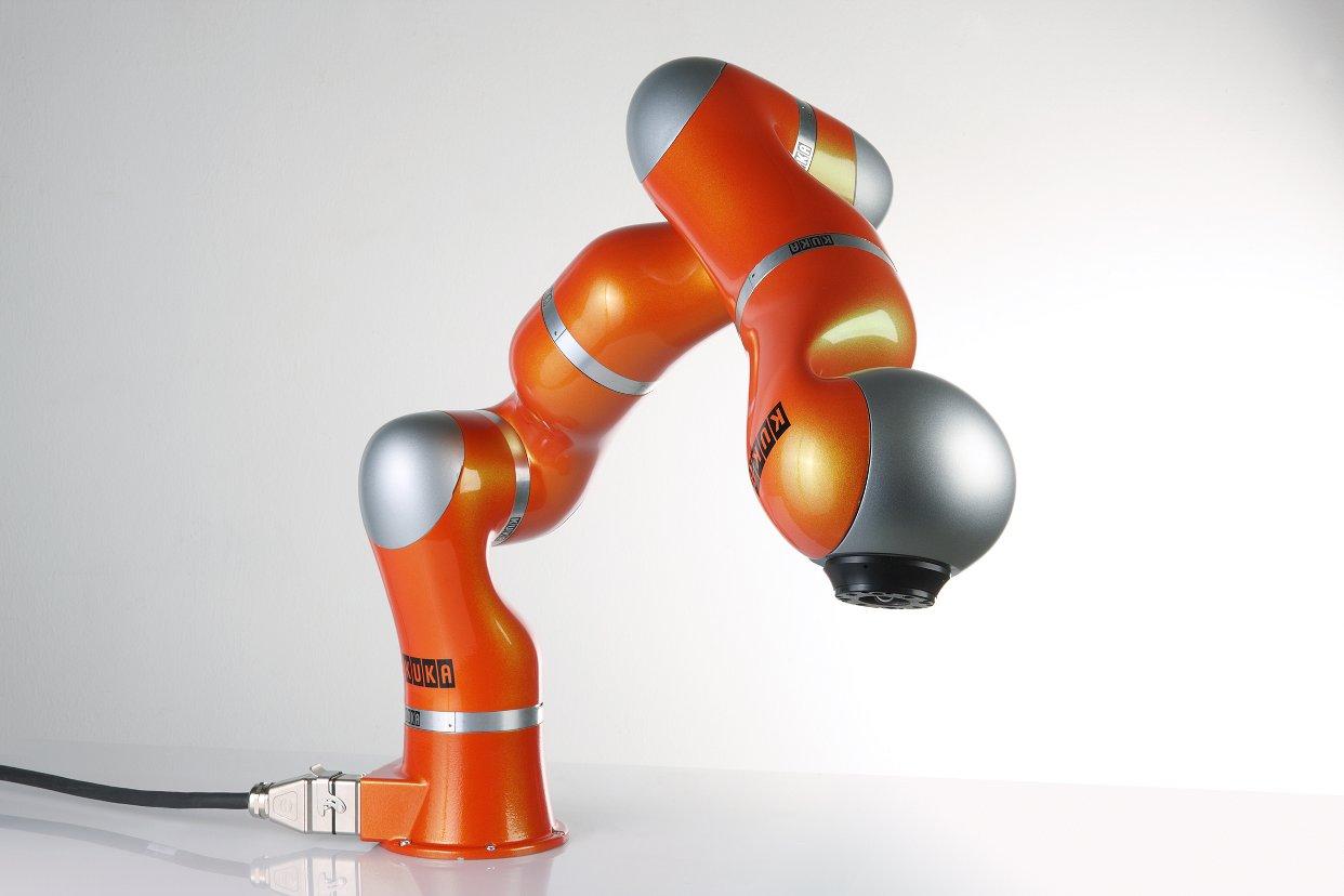 Image Robotic arms: KUKA LBR4+